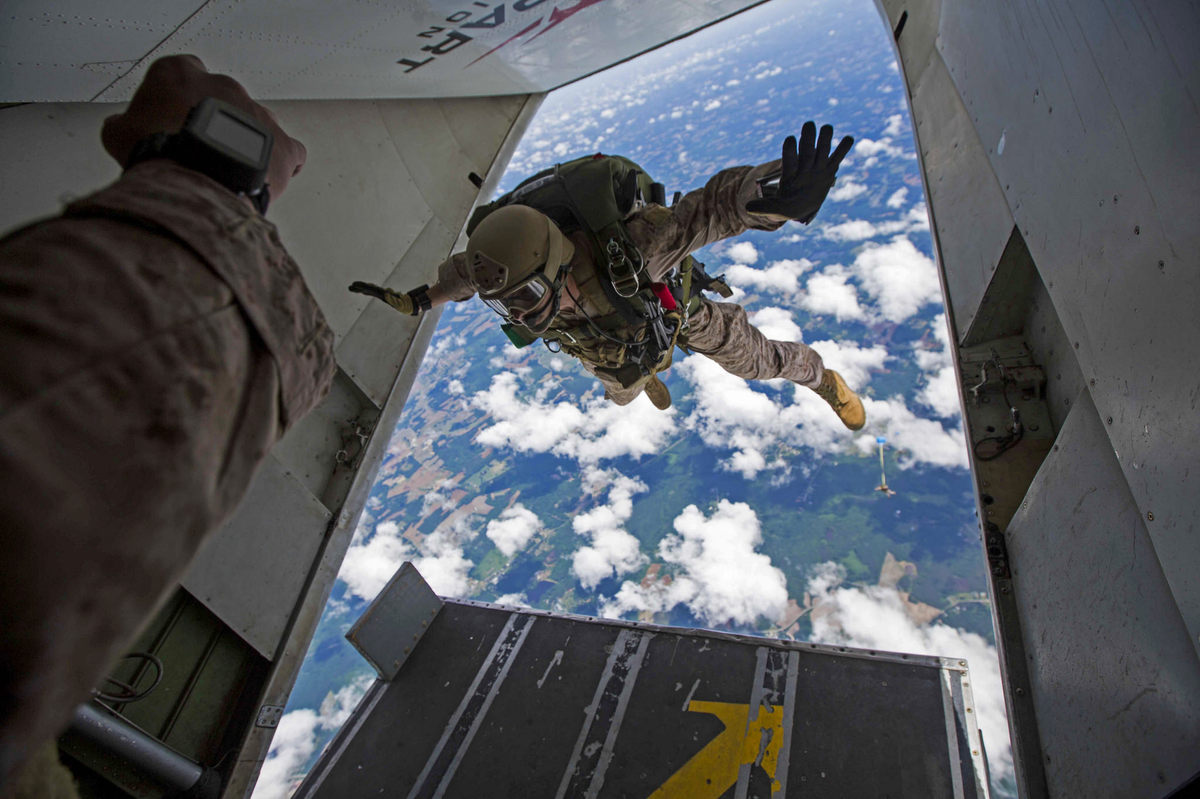 Perfectly-Timed-Military-Photos-34