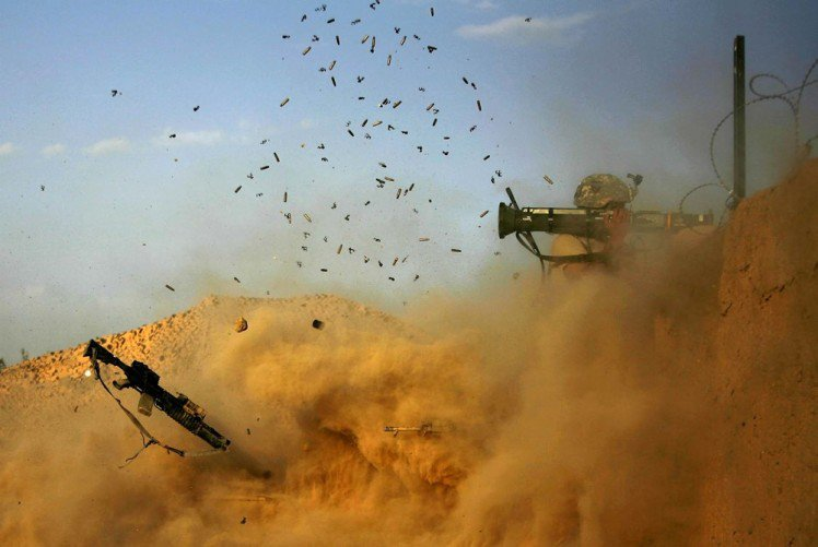 Perfectly-Timed-Military-Photos-37