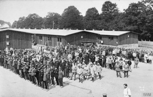 Prisoners_of_War_Paraded_at_Giessen_Camp_Q55592-640x406