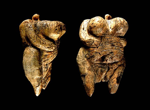 en-eski-insan-heykeli