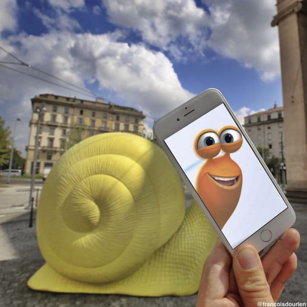 I-Insert-Movie-Scenes-Into-Real-Life-Situations-Using-My-Iphone-58aad99ee1d0a__700