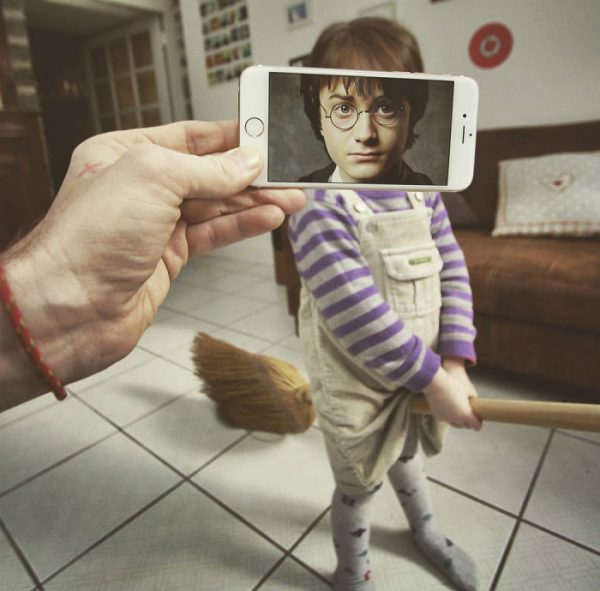 I-Insert-Movie-Scenes-Into-Real-Life-Situations-Using-My-Iphone-58aada418bac2__700