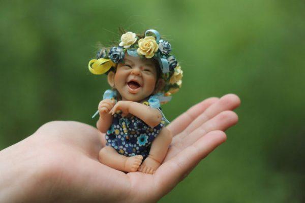 Little-Moms-Sunshine-Perfect-Life-Like-Dolls-By-Elena-Kirilenko-589869fd6e506__700