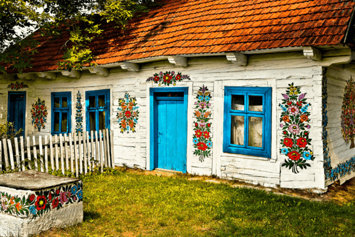 Polonyanın-En-Güzel-Köyü-İle-Tanışın-Zalipie-Köyü