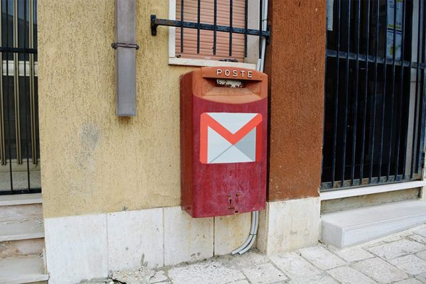 biancoshock-real-life-internet-elderly-italian-village-web-0.0-civitacampomarano-designboom-06