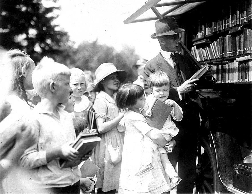 bookmobile-library-on-wheels-67-589836b01225c__880