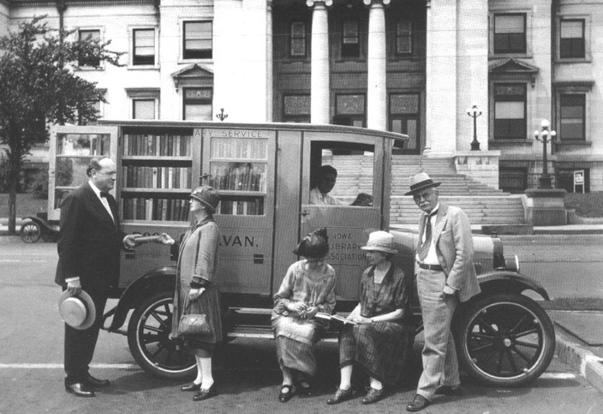 bookmobile-library-on-wheels-8-58982a49c9df5__880