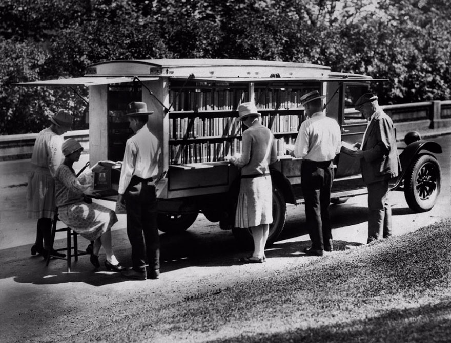 bookmobile-library-on-wheels-9-58982a4b690f6__880