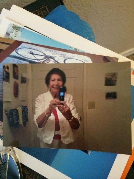 funny-grandma-gifts-5-58abfbde300f3__700