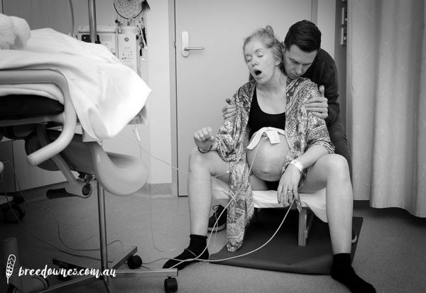 professional-birth-photography-competition-winners-labor-2017-24-58b02bc84d703__880