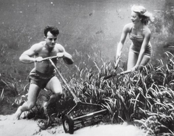 underwater-pinups-photography-1938-bruce-mozert-1-58930ec2835f9__700