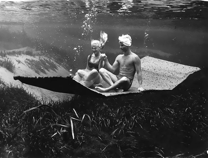 underwater-pinups-photography-1938-bruce-mozert-22-58932c3b846e8__700