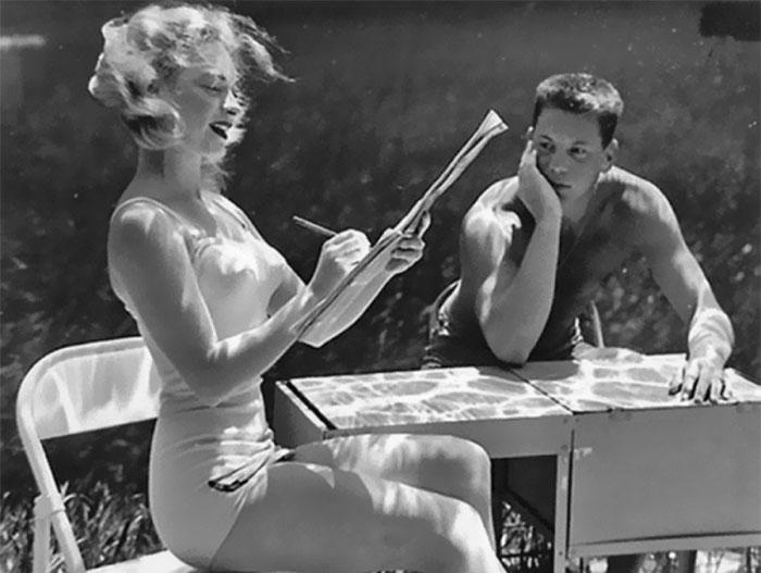 underwater-pinups-photography-1938-bruce-mozert-27-5893304ced4a5__700