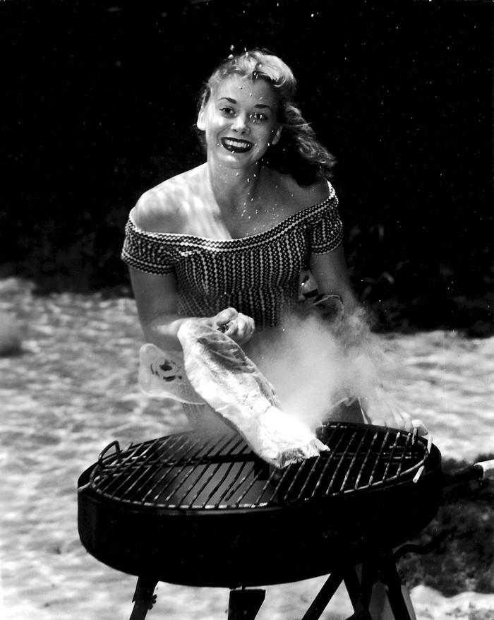 underwater-pinups-photography-1938-bruce-mozert-6-58930ed43b0b6-jpeg__700