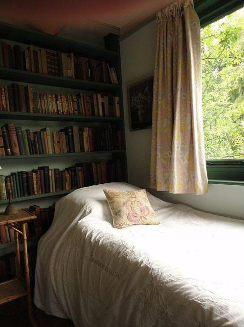 023 yatak odası kitaplık