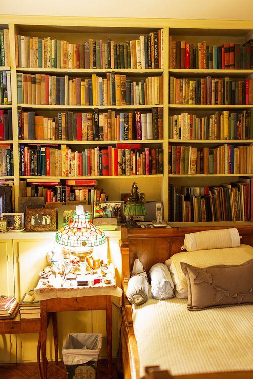 024 yatak odası kitaplık