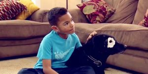 032217-news-cameras-capture-the-heartwarming-moment-a-child-with-vitiligo-me