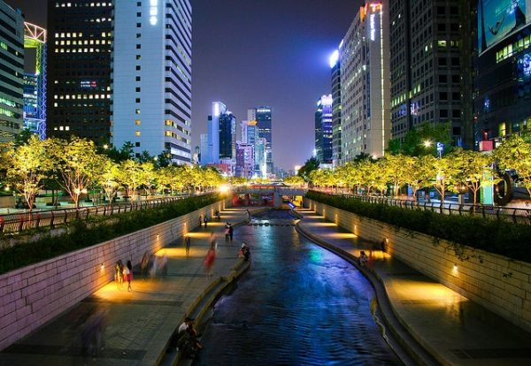 04 Cheonggyecheon