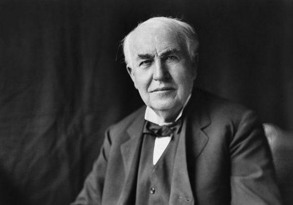 640px-Thomas_Edison2