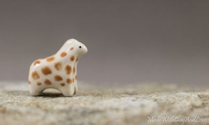 I-make-miniature-minimalist-ceramic-animals-with-a-touch-of-whimsy-and-individual-personalities-58d228ca5d066__880