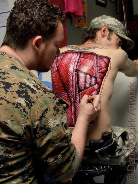 anatomical-body-paintings-danny-quirk-19-58b7ce6ecb15a__700