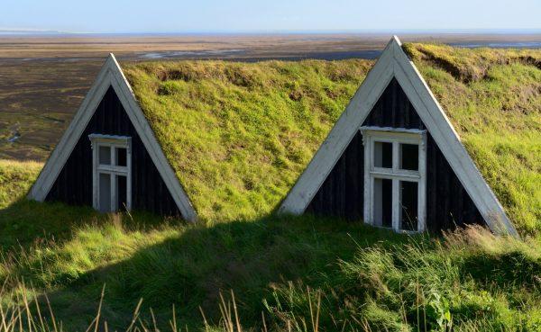 Sell, a turfhouse farm in Skaftafell National Park