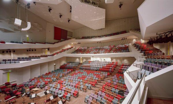 Great-Amber-Hall-Venue-Seats-Volker-Giencke-©-Indrikis-Sturmanis-1020x610
