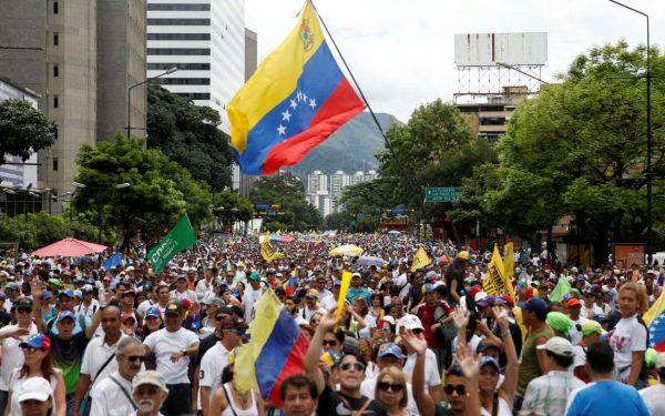 Venezuela-xlarge_trans_NvBQzQNjv4BqYHaHRqZzVuMJAn8HN8r1s0VgJET8T4XkCRbyKSrp5NU