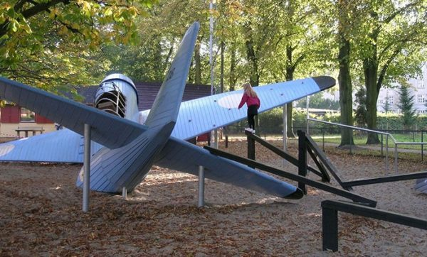 children-playgrounds-monstrum-denmark-31-58f769b612182__700