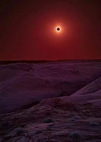 14-solar-eclipse-over-arizozna-that-looks-like-sun-in-different-planet