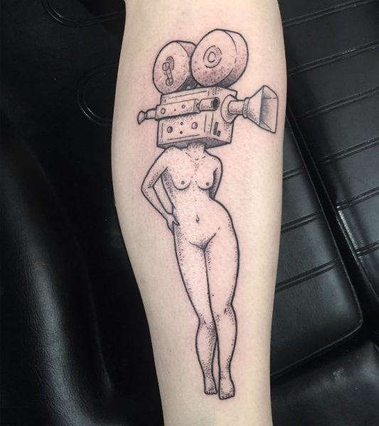 15-Headless-Girl-Tattoos-By-Molly-Jean-That-Are-Wonderfully-Weird-5926a8c2f0ca2__700