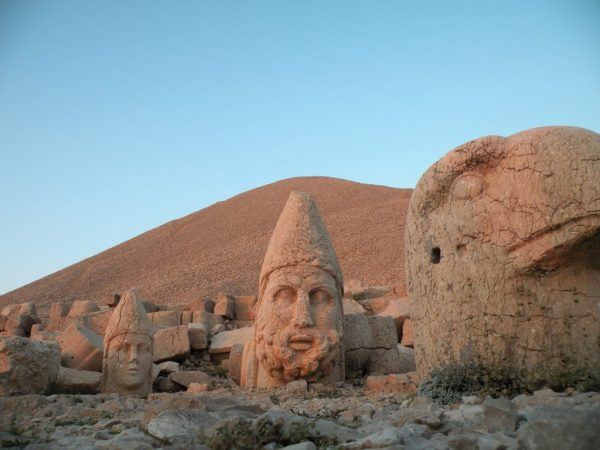3-nemrut-turkey-1024x768