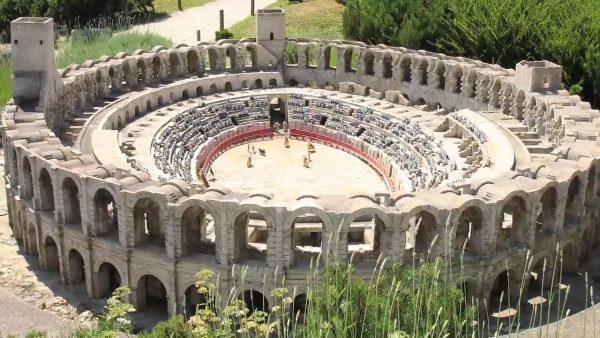 4-Nimes-Arena