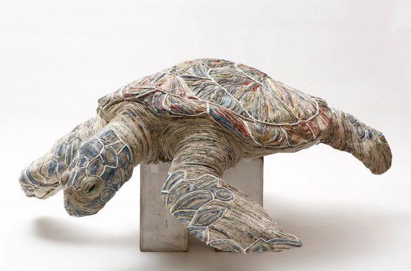 5_gazeteden_hayvan_heykeli_yapan_sanatci