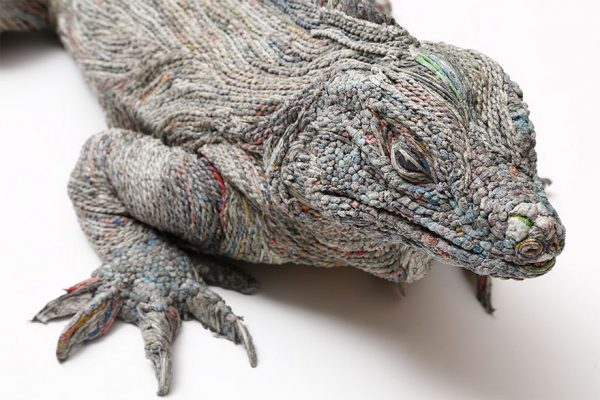 7_rolled-newspaper-animal-sculptures-paper-trails-chie-hitotsuyama-9