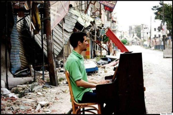 Ahmad-pianist