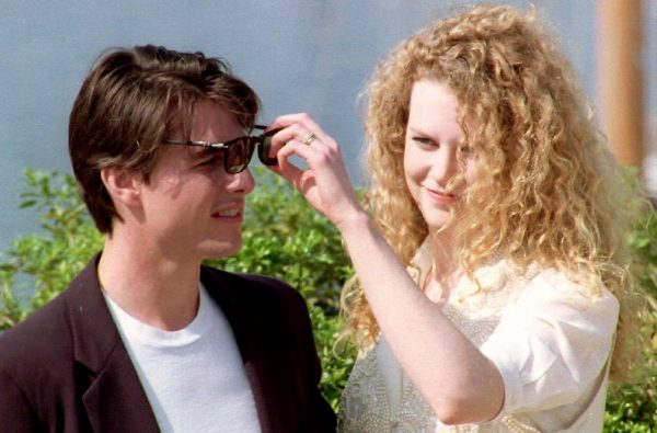 Nicole-Kidman-playfully-adjusted--husband-Tom-Cruise-sunglasses