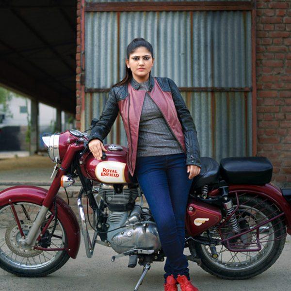 first-indian-biker-women-roshni-sharma-201702-1486987410