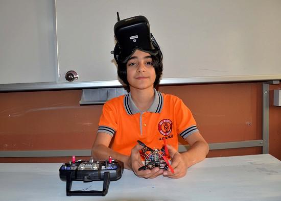 "Ortaokul öğrencisinden ""bomba bulan casus drone"""