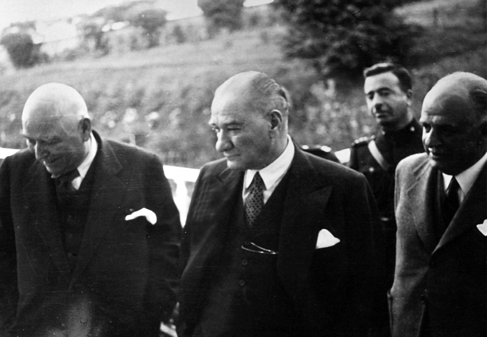 Mustafa Kemal'le Muhsin Ertuğrul Arasında Sonradan Tatlıya Bağlanan Bahsin  Hikayesi