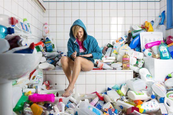 4-years-trash-365-unpacked-photographer-antoine-repesse-7-594910df56529__880