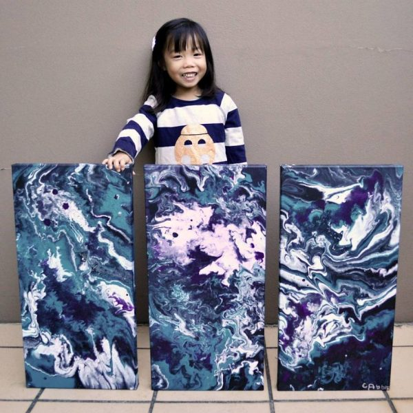 5-year-old-has-donated-over-750-to-charity-by-painting-galaxies-593fcf24a661b__880