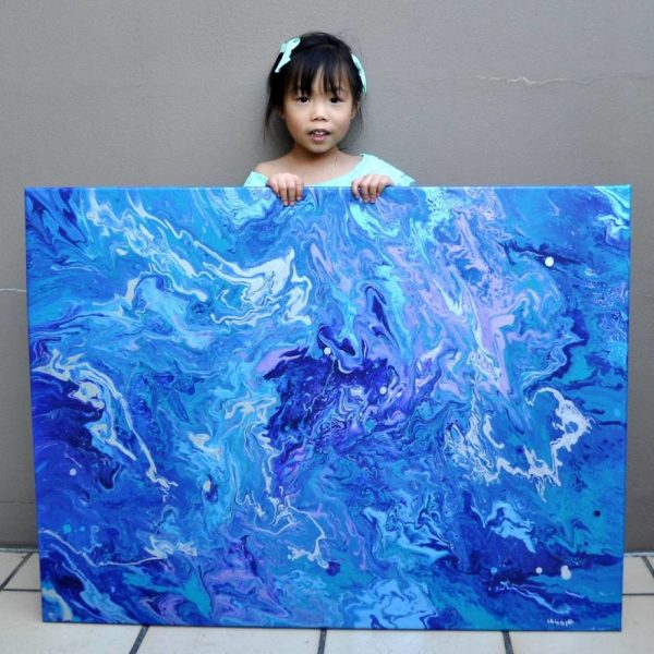 5-year-old-has-donated-over-750-to-charity-by-painting-galaxies-593fcf27a2482_