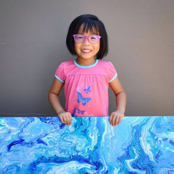 5-year-old-has-donated-over-750-to-charity-by-painting-galaxies-593fe51a570db__880
