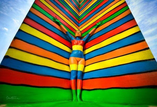 Final-Rainbow-flesh-and-acrylic-ben-heine-art-5936c937b615e__880