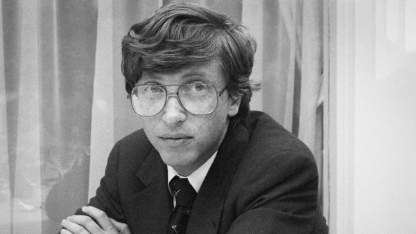 Microsoft founder and CEO Bill Gates during a press conference in Amsterdam, Netherlands, c 1986. (Photo by Gijsbert Hanekroot/Redferns)