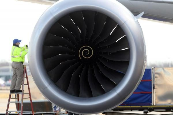No-charges-for-woman-who-tossed-coins-into-Chinese-plane-engine