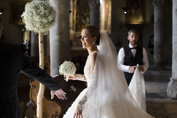 Wedding-Victoria-Wore-Stunning-Michael-Cinco-Wedding-Dress-Featured-500000-Swarovski-Crystals
