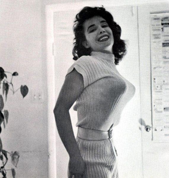 bullet-bra-fashion-vintage-12-5954ebb8c6c7f__700