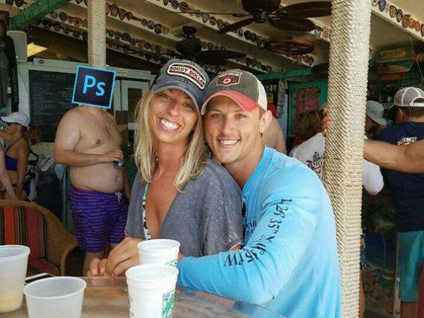 funny-engaged-couple-photobomb-photoshop-request-38-5954e135157c4__605